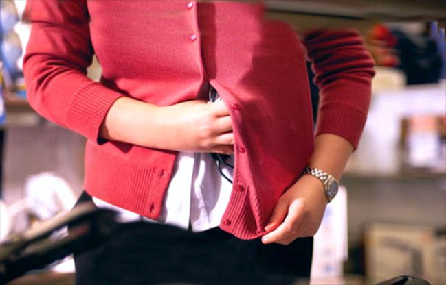 Совершение кражи на работе, уголовная ответственность работника и правовые последствия
